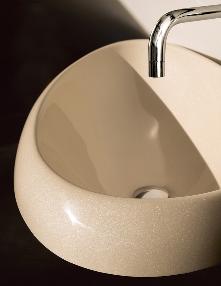 Cast stone washbasin Organic paintend in Pearl Sand colour